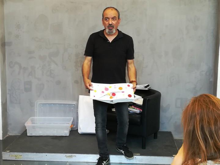 Arte Central - Curso de Iniciação à Construção de Livros Pop-Up